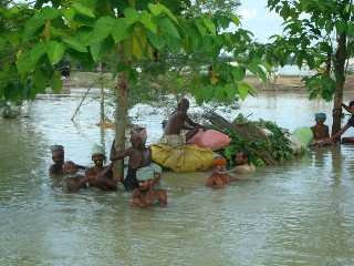 2008 - The Madras Regiment Providing Flood Assistance (BIHAR)